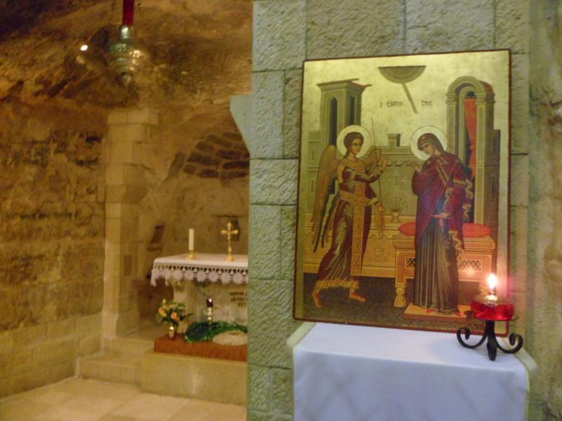 Con Maria nella Grotta di Nazaret